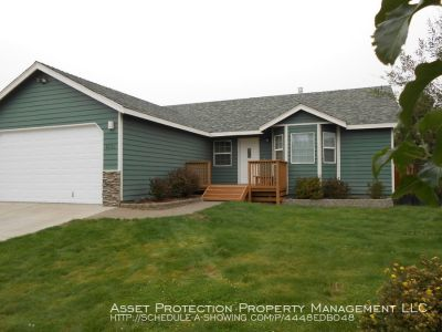 A Very Special 3+ Bedroom Home With 2 Gas Fireplaces! Near Big Sky Sports Complex! PETS WELCOME
