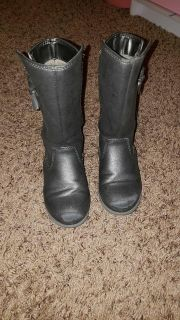 Size 9 Cat and Jack boots