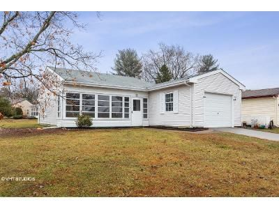 2 Bed 2 Bath Foreclosure Property in Vincentown, NJ 08088 - Picardy Pl