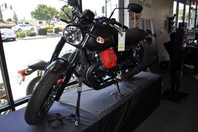 2018 Moto Guzzi V7 III Carbon Dark Standard/Naked Motorcycles Elk Grove, CA