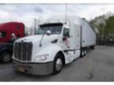 2013 Peterbilt 579 Equipment in Poughkeepsie, NY