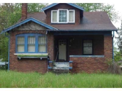 3 Bed 2 Bath Foreclosure Property in Belleville, IL 62223 - W Main St