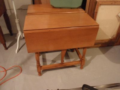Vintage Hardwood Solid Maple Wood End Table 2 Drop Leaf Sides
