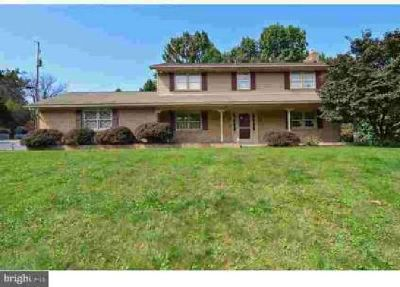 325 Clay Rd Mertztown Four BR, Enter this lovely home from the