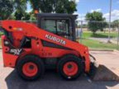 2015 Kubota SSV75 Earth Moving and Construction