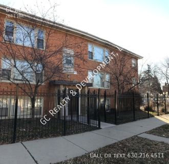 ***$0.00 MOVE IN FEE / 2 BDRM / HEAT & HOT WATER INCL IN RENT / COIN LAUNDRY IN BUILDING***