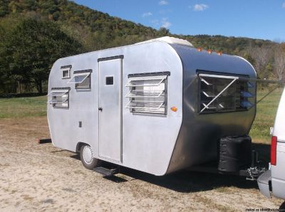 '72 Holiday Rambler Vintage Travel Trailer
