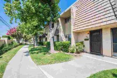 3285 Via Grande Sacramento Two BR, WELCOME HOME...