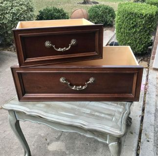 Beautiful Stanley Furniture dovetailed Drawers (6 very big. 4 reg size)