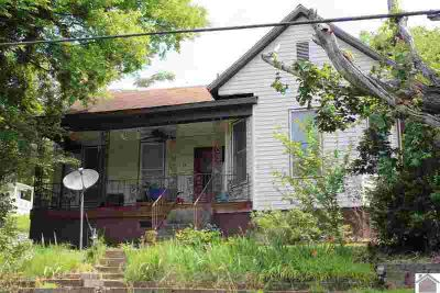 59 Lake shore Dr Eddyville Two BR, Wonderful older home with a