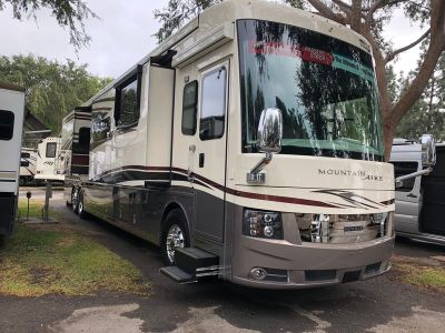 2019 Newmar Mountain Aire 4579