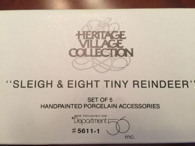 Dept 56 Christmas Village Heritage Collection Sleigh & Eight Tiny Reindeer