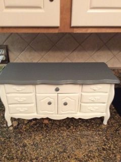 CHILDS JEWELRY CHEST