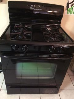 Maytag free standing gas oven- around 10 years old- $100- must be picked up by tomorrow morning.