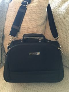 Carry On / Travel Case / Three Zippered Compartments