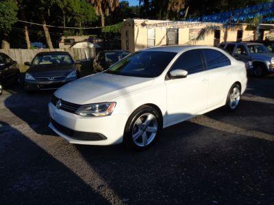 2013 Volkswagen Jetta SE (White)