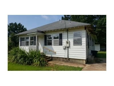 2 Bed 1.1 Bath Foreclosure Property in Grenada, MS 38901 - Airport Cir
