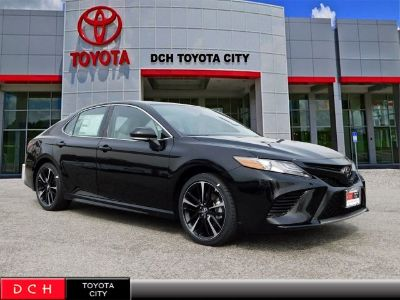 2019 Toyota Camry (Midnight Black Metallic)