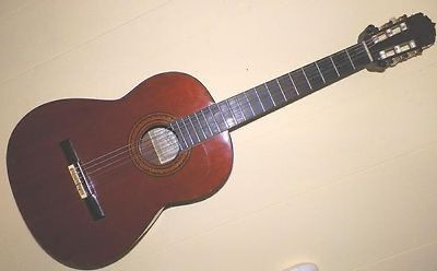 $1,000 1975 Pimentel Special Grand Concert Walnut Classical Guitar
