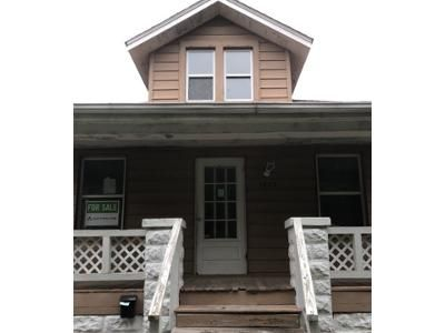 3 Bed 1 Bath Foreclosure Property in Belleville, IL 62221 - N Church St