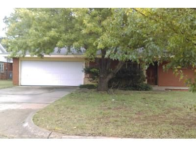 Preforeclosure Property in Oklahoma City, OK 73111 - Woods Dr