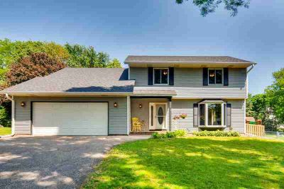 6575 Idsen Avenue S COTTAGE GROVE Four BR, Stunning 2 story with