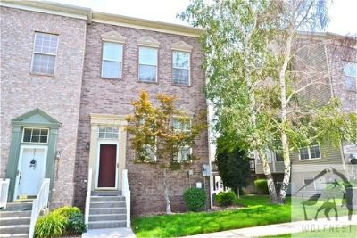 Astonishing 3 Bedroom South Mountain Townhome