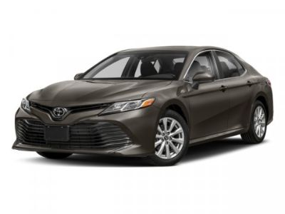 2018 Toyota Camry XLE (Midnight Black Metallic)