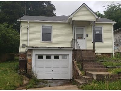 1 Bath Preforeclosure Property in Morrilton, AR 72110 - Miller St