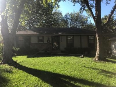 3 Bed 1 Bath Preforeclosure Property in Blue Springs, MO 64014 - SE 4th St