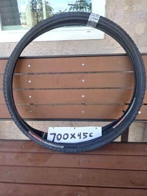 Tires size 700x45c