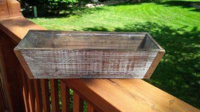 Tapered Design Wood Ledge Planter with Interior Lining