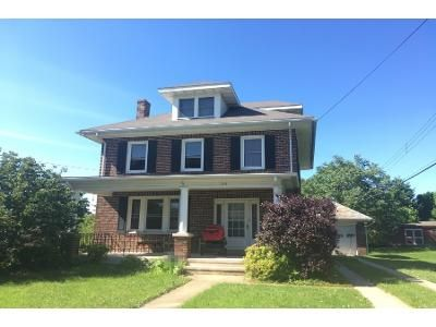 3 Bed 1 Bath Preforeclosure Property in Wernersville, PA 19565 - E Wilson Ave