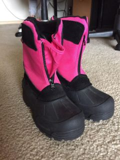BNT Child Snow Boots size 11-4