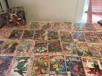 Marvel comic book lot with box
