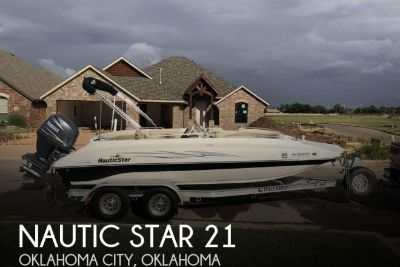 2011 Nautic Star 21
