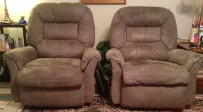 Matching Pair Reclining Chairs