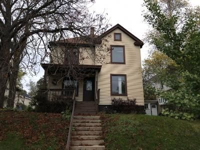 6 Bed 2.0 Bath Preforeclosure Property in Racine, WI 53405 - Kinzie Ave