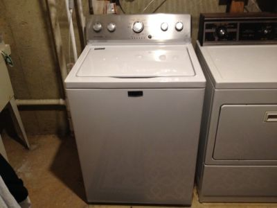 2017 Maytag washer