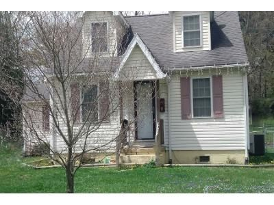3 Bed 1 Bath Preforeclosure Property in Waynesboro, VA 22980 - York Dr