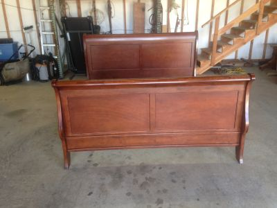 Sleigh bed style king
