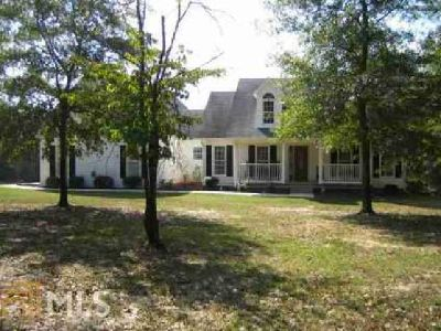 1633 William Smith Rd Elberton Three BR, custom built home on