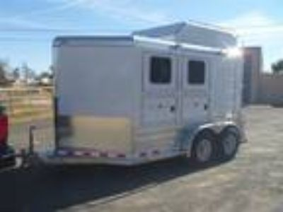 lNF. 7O7 2OO_3895. 2013 Deluxe 4 Star 2 Horse