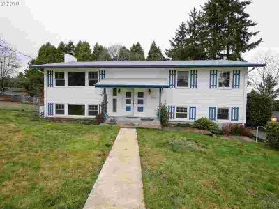 1950 Greiner St Eugene Four BR, Newly renovated with kitchen