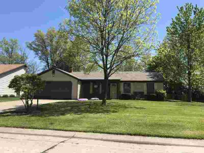 7706 Tanbark Lane Fort Wayne, Get Spaced Out - You'll have