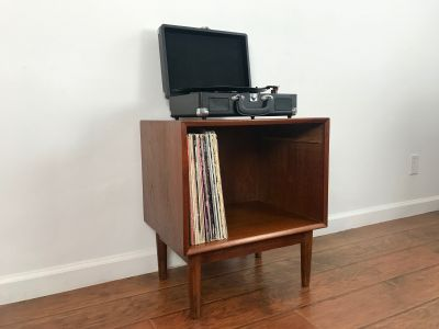 MID CENTURY MODERN Record Player Stand/Nightstand