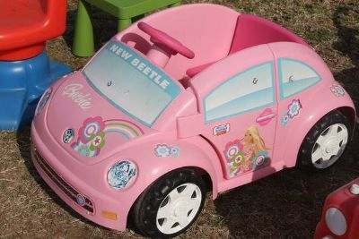 Power Wheels Girls Ride-On Cars. Harley Motorcycle  VW Bug