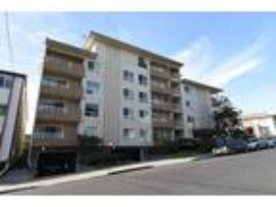 One BR One BA In Oakland CA 94610