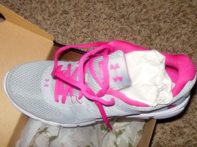 NEW Under Armour Women's Thrill 2 Running Shoes size 10