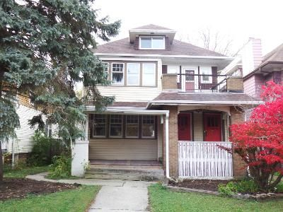 5 Bed 3 Bath Foreclosure Property in Milwaukee, WI 53208 - 2185 N Hi Mount Blvd